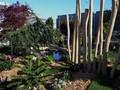 K vidění i rozkvetlá zahrada s vodními prvky