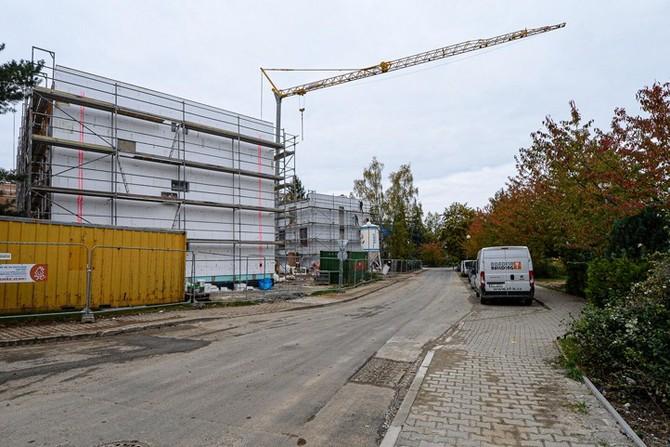 Stavba bytových domů v lokalitě Zátiší, podzim 2020