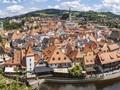 Více než polovina Čechů letos vynechá letní dovolenou – převážně z finančních důvodů
