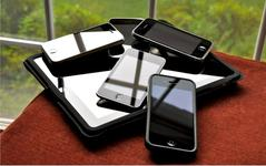 Globální prodeje smartphonů ve 4Q17 klesly o 5,6%. První pokles od r. 2004